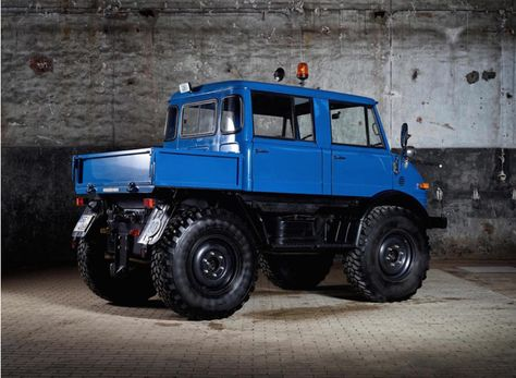 Mercedes Benz Unimog 4x4 Restored To Its Former Glory Mercedes Benz Unimog Mercedes Benz Trucks