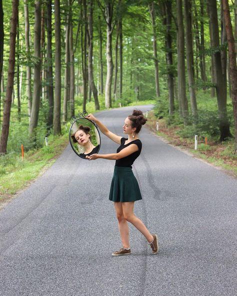 Wenn du die Welt verändern willst, beginne mit dem Menschen, den du jeden Morgen im Spiegel siehst. 🌲❤️ • • • #spiegel #freundschaft #sommer #portrait #wald #bäume #natur #fotografie #foto #niederösterreich #österreich #august #august2019 #friendship #portraitphotography #mirror #mirrorphotography #summer  %