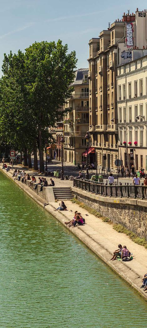 Take a stroll along the canal to watch the barges navigate locks and road bridges.