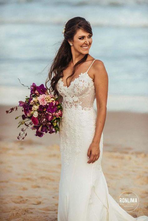 Sonha em casar na praia? Veja neste post completo tudo que você precisa saber para tornar seu sonho realidade! #casamentonapraia #casarnapraia #beachwedding #destinationwedding