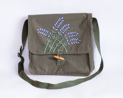 Military Bag with Lavender Flowers, Vintage Upcycled Hand Painted Army Bag, Khaki Green Cotton Messe Military Messenger Bag, Novelty Bags, Side Bags, Lavender Flowers, Upcycled Vintage, Khaki Green, Retro Outfits, Green Cotton, School Bags