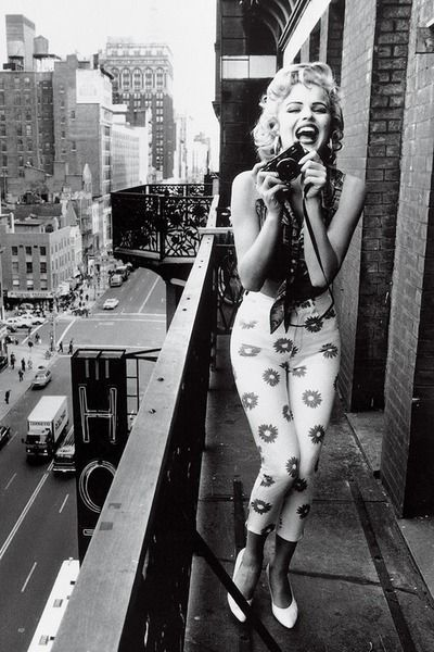 Top quotes by Marilyn Monroe-https://s-media-cache-ak0.pinimg.com/474x/e0/c7/b1/e0c7b1b406debb382185377a4d65bea6.jpg