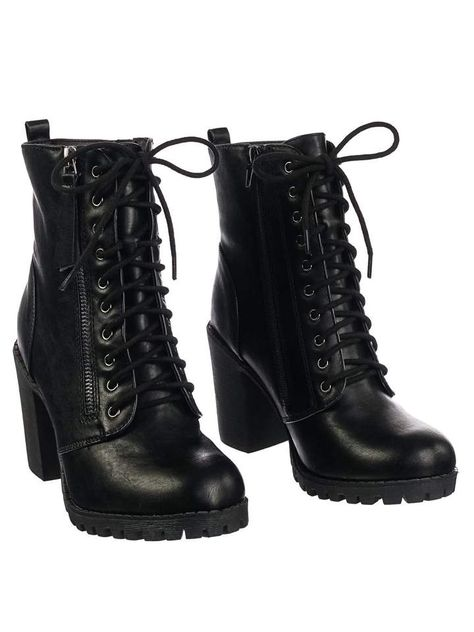 Super Cute Outfits For A Concert - Chunky Heel Black Lace Up Boots Source by fashionismycrush - Black Chunky Heels, Black Lace Up Boots, Chunky Boots, Lace Up Heels, Black Laces, Black Heel Boots, Black Boots Outfit, Laced Boots, Cute Heels