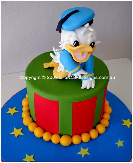 cute donald duck cake