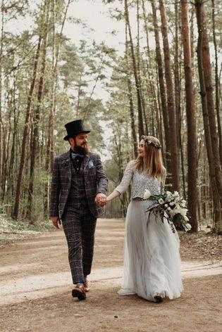 Alice Im Wunderland Hochzeit Inspiration Mit Brautkleid In Blau Foto Foxographie Alice Im Wunderland Hochzeit Disney Braut Winter Wunderland Hochzeit
