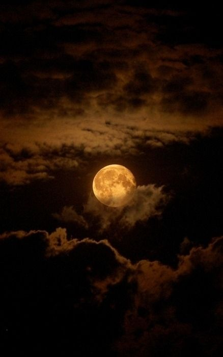 Chocolate Moon ~ Moon and Clouds - Cris Figueired♥