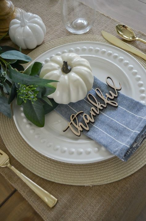 Thanksgiving Place Cards, Thanksgiving Table Settings, Thanksgiving 2020, Thanksgiving Tablescapes, Holiday Tables, Thanksgiving Decorations, Christmas Tables, Holiday Decorations, Decorating For Thanksgiving