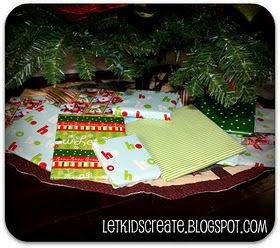 Christmas book countdown. Some nice ideas and variations to this idea.