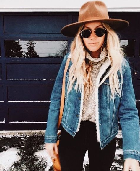 Teen girl outfit: zoom on the fall-winter trends - Sandra Marques - - Tenue ado fille : zoom sur les tendances automne-hiver trendy look idea holding teen look trendy teen girl fall winter 2017 2018 hipster girl look jean jacket - Outfits With Hats, Mode Outfits, Casual Outfits, Black Outfits, Black Hat Outfit, Snow Outfits For Women, Casual Dresses, Ladies Outfits, Fashionable Outfits