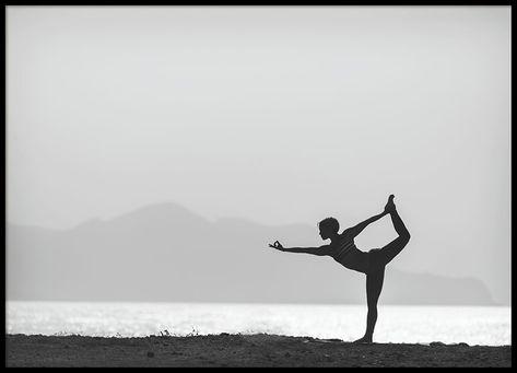 Yoga By The Water 50x70 Med Billeder Poster Ideer Plakater Inspiration