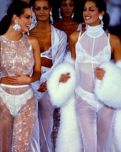 Christy, Nadege, Naomi, & Yasmeen for Isaac Mizrahi 1993