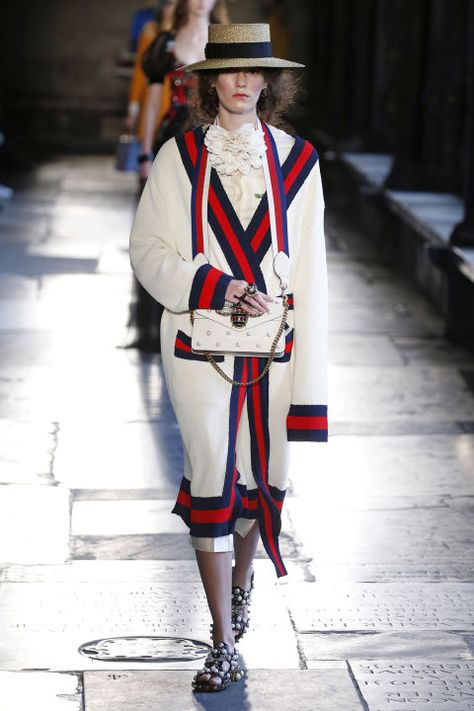 On Thursday, Gucci unveiled its resort 2017 collection in London's Westminster Abbey, for an eclectic collection that fused Alessandro Michele's whimsical style…