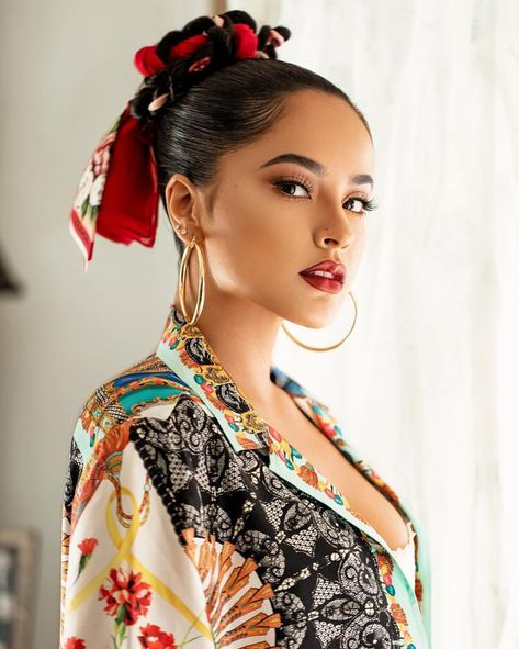 Becky G - celebrities hairstyles Pretty People, Beautiful People, Beautiful Women, Beautiful Eyes, Becky G Style, Mode Turban, Model Foto, Hollywood Fashion, Classic Hollywood