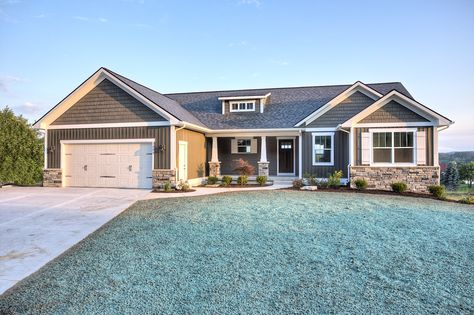 december 2015 page 65 styles of homes with pictures garage doors pinterest december house and ranch style - Ranch Home Exterior