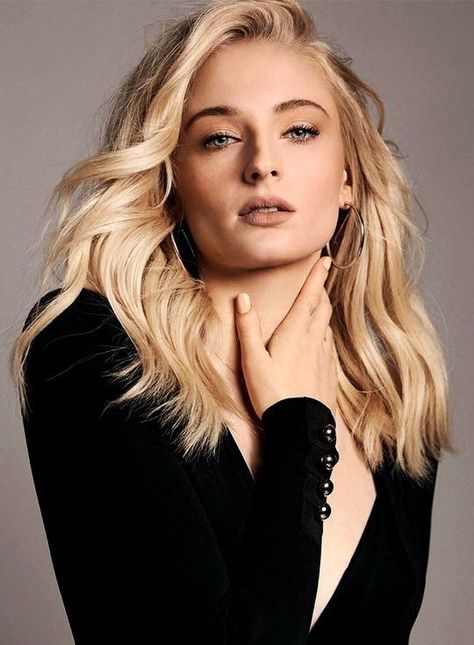 Sophie Turner on How Therapy Changed Her Life