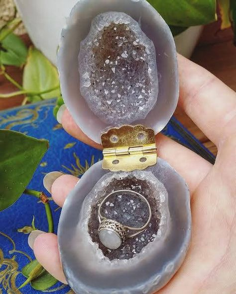 Geode Jewelry boxPolished Geode Ring Box Wedding Ring Box Engagement Ring Box Crystal jewelry box