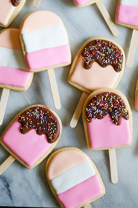 Ice Cream Pop Cookies ice cream pops decorated cookies tutorial from bridget edwards {bake at Summer Cookies, Fancy Cookies, Iced Cookies, Cute Cookies, Royal Icing Cookies, Ice Cream Cookies, Royal Icing Decorated Cookies, Ice Cream Cupcakes, Sugar Cookie Icing