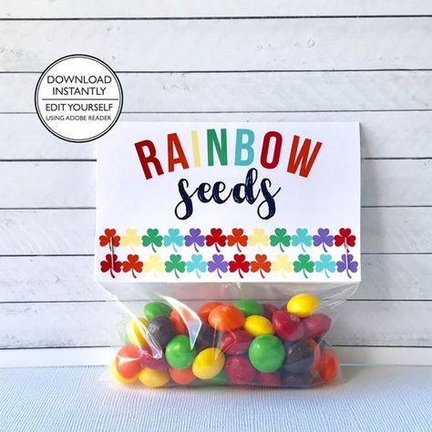 Items similar to Rainbow Seeds Treat Bag Topper - St. Patrick's Day - For Kids - Rainbow Shamrocks on Etsy Diy St Patrick's Day Gifts, Kids Rainbow, Rainbow Theme, Rainbow Colors, Birthday Treat Bags, St Patrick Day Treats, Rainbow Treats, Bag Toppers, Valentines For Boys