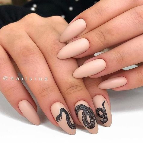 Unusual Snake Nail Art ❤ 35 Terrific Nude Nail Design Ideas You Can't Pass By ❤ See more ideas on our blog!!! #naildesignsjournal #nails #naildesigns