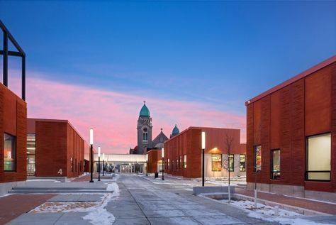 Image 7 of 15 from gallery of Rogers Partners' Henderson-Hopkins School Wins 2016 AIA Honor Award. Photograph by Albert Vecerka