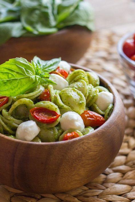 The classic Caprese salad flavor combination of tomato, basil, and mozzarella. #orecchiette #pesto #roastedtomatoes #freshmozzarella #pasta #dinner