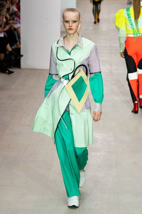 Matty Bovan Spring 2020 Ready-to-Wear collection, runway looks, beauty, models, and reviews.