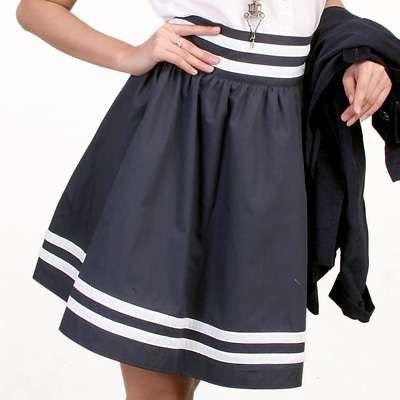 DIY skirt!!! So cute!! Make a cute Halloween costume idea - black skirt halloween costume ideas