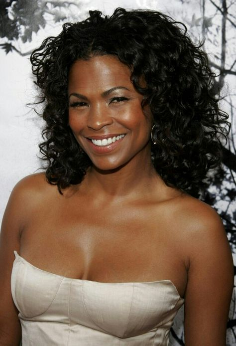 Nia Long Pixie - Nia Long showed off her signature short cropped mane while attending the premiere of 'This is It'.