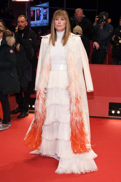 Rosamund Pike Photos - Rosamund Pike attends the '7 Days in Entebbe' (7 Tage in Entebbe) premiere during the 68th Berlinale International Film Festival Berlin at Berlinale Palast on February 19, 2018 in Berlin, Germany. - '7 Days in Entebbe' Premiere - 68th Berlinale International Film Festival