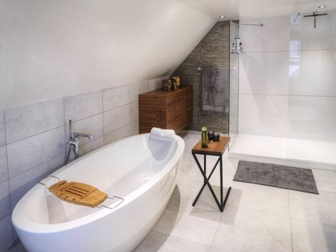 Modern Bathroom Designed By Dzignstone Shower In Solid Surface White With Wall Panels And Shower Tray In Solid Surface Luxe Badkamer Modern Badkamerontwerp