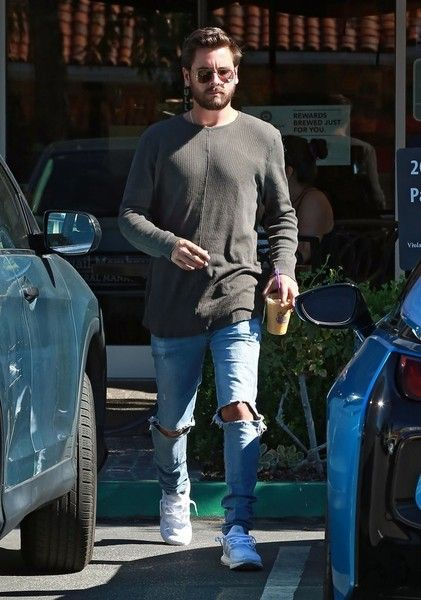 Scott Disick in Scott Disick Getting Coffee In Calabasas