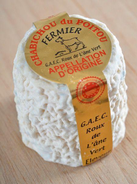 Chabichou du Poitou - AOP - fromage de chèvre d'Appellation d'Origine  Protégé | Fromage de chèvre, Fromage, Chèvre