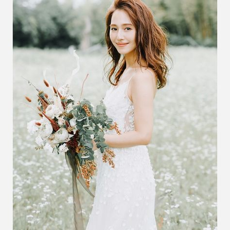 """RISAKO_ISHIKAWA on Instagram: """"本日報道にもありましたように、私石川理咲子は 日本テレビアナウンサーの山本紘之さんと結婚致します。 彼のユーモア溢れる性格のおかげで、 笑いの絶えない毎日を過ごしております。 ・ ・ これからは夫婦として支え合い、 感謝と思いやりの気持ちを大切に 共に歩んで行きたいと思います。"""""""