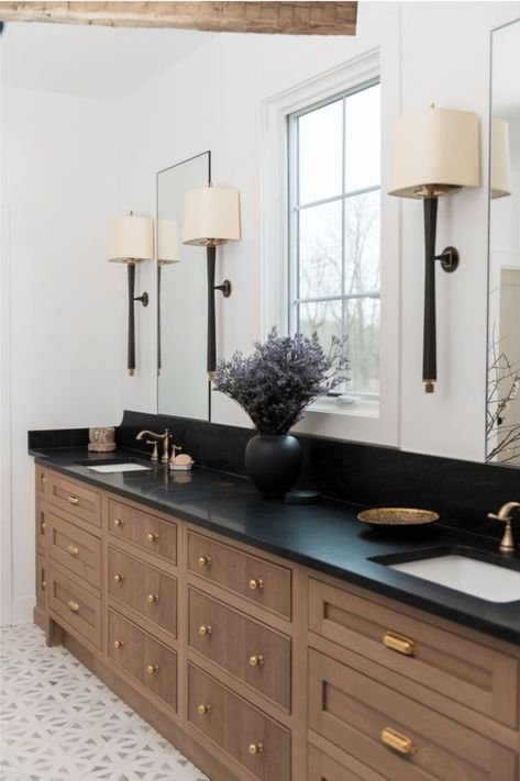 Whittney Parkinson Design is a full service interior design firm. Whittney specializes in commercial design, luxury construction projects and interior furnishing details. #bathroom #interiordesign