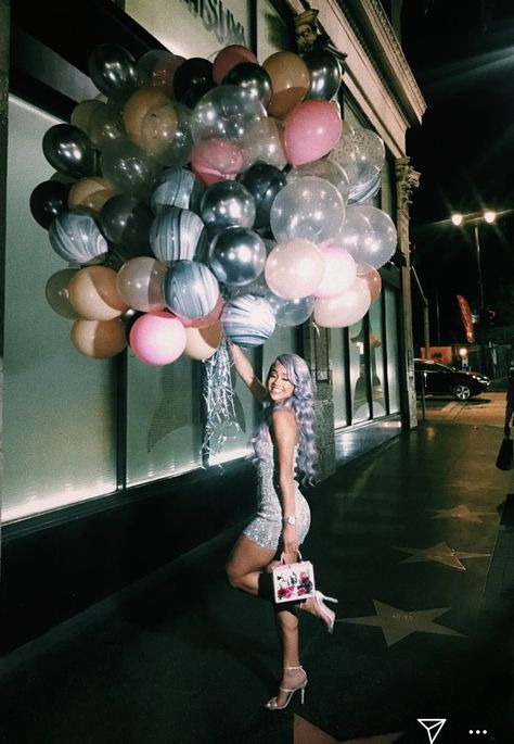 16th Birthday Outfit, Cute Birthday Outfits, Birthday Goals, 18th Birthday Party, Birthday Photoshoot Ideas, Birthday Dresses, 16th Birthday Decorations, Birthday Photo Shoots, 16 Birthday Ideas