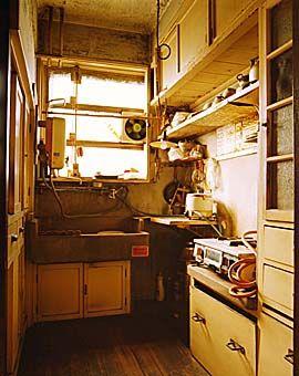 団地 アパート おしゃれまとめの人気アイデア Pinterest Goo インテリア エクステリア 古いアパート アパート