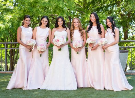 Bridesmaid Etiquette: Dos and Don'ts