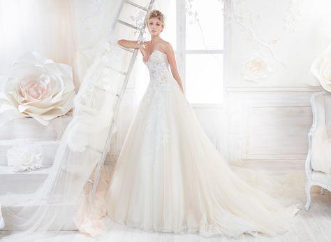 Scarpe Sposa Per Abito In Tulle.Moda Sposa 2018 Collezione Colet Coab18250 Abito Da Sposa