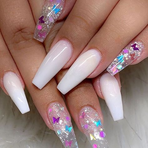 There are many kinds of nails, and the styles are endless. However, in many nail designs, there seems to be no more romantic than the glass flower nails, so how much do you know about the crystal flower manicure?