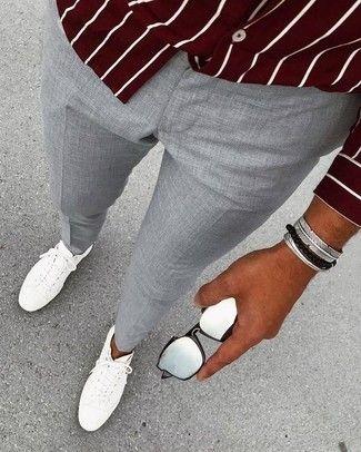 Look de moda: Correa de cuero negra, Tenis de cuero blancos