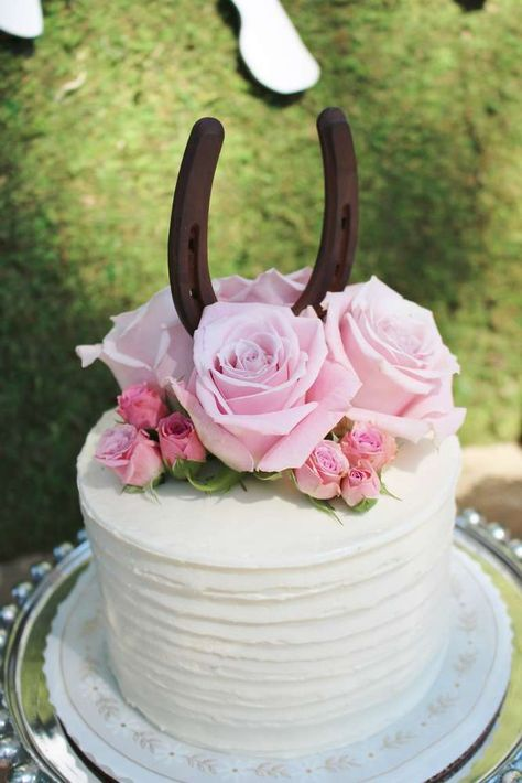 Floral cake at a Kentucky Derby birthday party! See more party ideas at CatchMyP. - bake a cake - Birthday Cowgirl Cakes, Cowgirl Party, Horse Birthday Parties, Horse Birthday Cakes, 7th Birthday, Birthday Ideas, Horse Cake, Pony Party, Shower Cakes