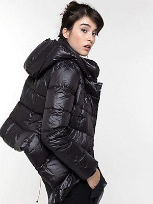 Pin su Women's fashion