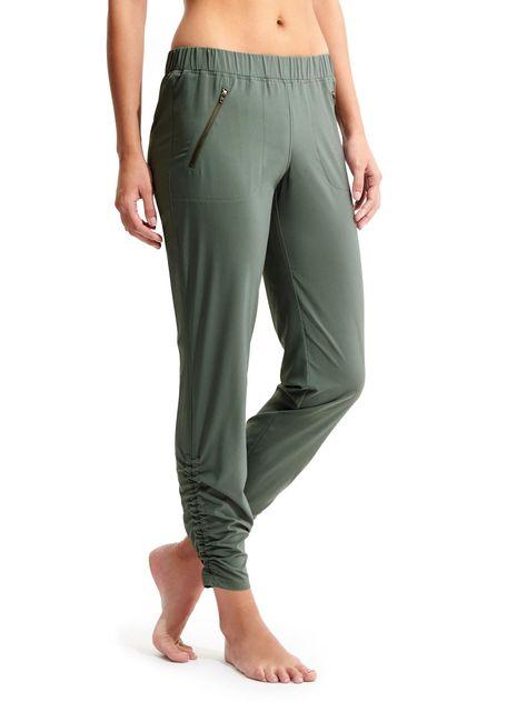 ec52a7b126506 I have these  Athleta pants in green