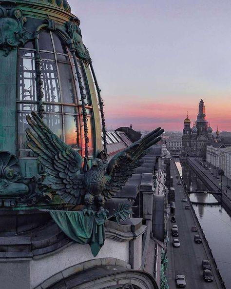 Канал Грибоедова. Спокойной ночи, Петербург! ⠀ Автор фото @bazhenoff3000 ⠀ Чтобы Ваше фото или видео появилось в нашей ленте ставь под…