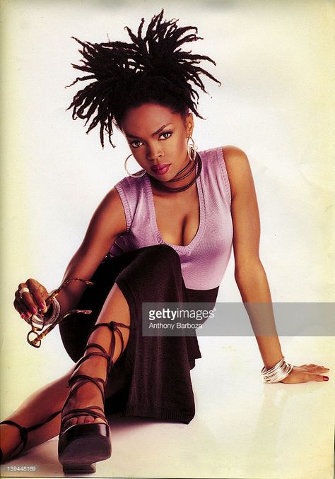 lauryn hill style Portrait of American pop and rhythm amp; blues musician Lauryn Hill, New York, New York, Black Girls Rock, Black Girl Magic, Beautiful Black Women, Beautiful People, Miseducation Of Lauryn Hill, Lauren Hill, Hip Hop, Black Girl Aesthetic, Rhythm And Blues