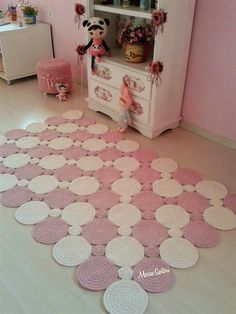 Rug made in croche format balls L ...