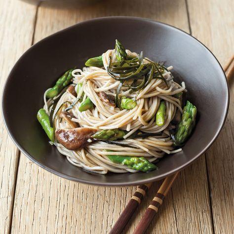 Soba Noodles with Asparagus, Shiitake and Wakame