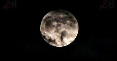 آخر بدر فى 2020 يودع السنة غدا ولمعان القمر يبلغ 100