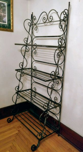 This Beautiful European Style Wrought Iron Baker S Rack Adds
