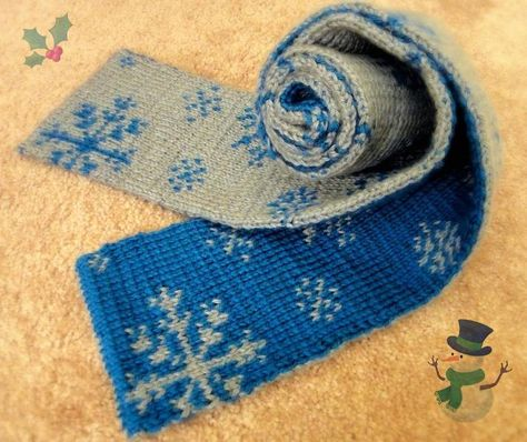 Knitting: Double Knitting Snowflakes Scarf